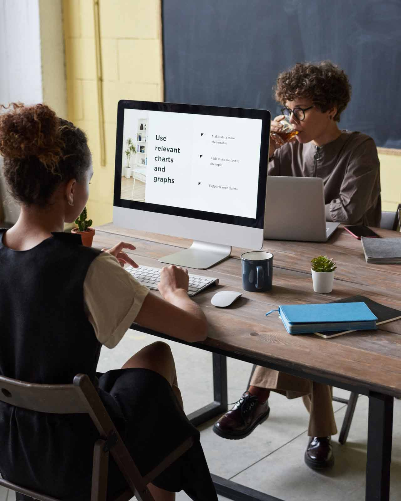 women-using-computers-3184348